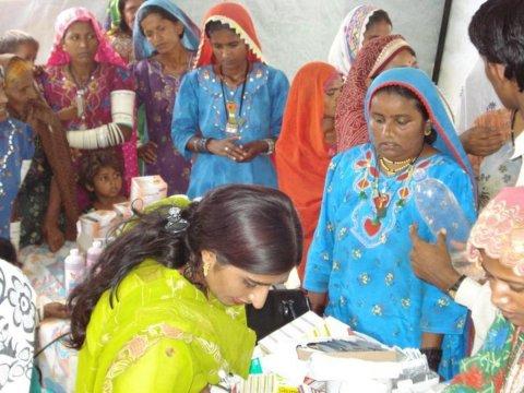 © 2009 Population Welfare Department Sindh, Courtesy of Photoshare