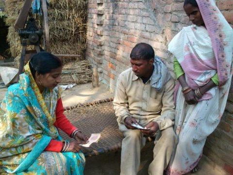 A couple in Uttar Pradesh, India, receives family planning counseling from RESPOND Project staff. © 2011 JHUCCP, Courtesy of Photoshare